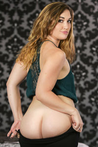 Picture of Kat Monroe