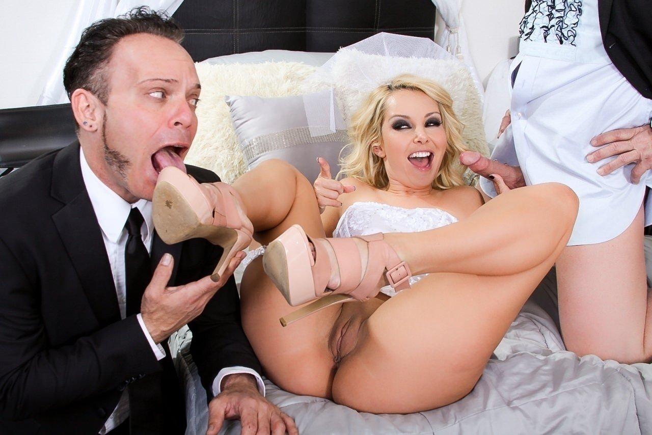 порно с блондинкой на свадьбе