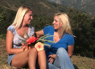 Cindy craves free lesbian porn #15