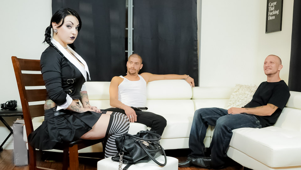 Very Adult Wednesday Addams-Apartment Hunt – Draven Star