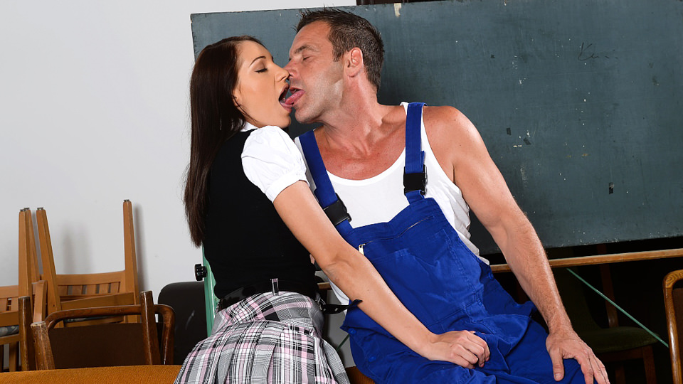 Felicia Kiss blowjob | Horny Schoolgirl | pix and video movie