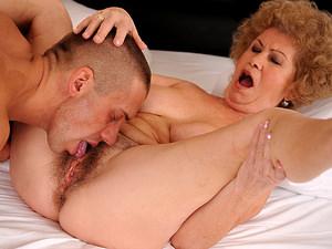Chubby busty porn tube