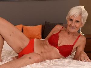 Granny viviana nude
