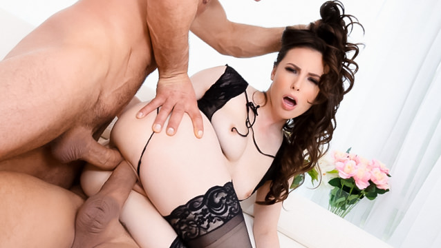 Squirting Casey: Double-Anal Threesome