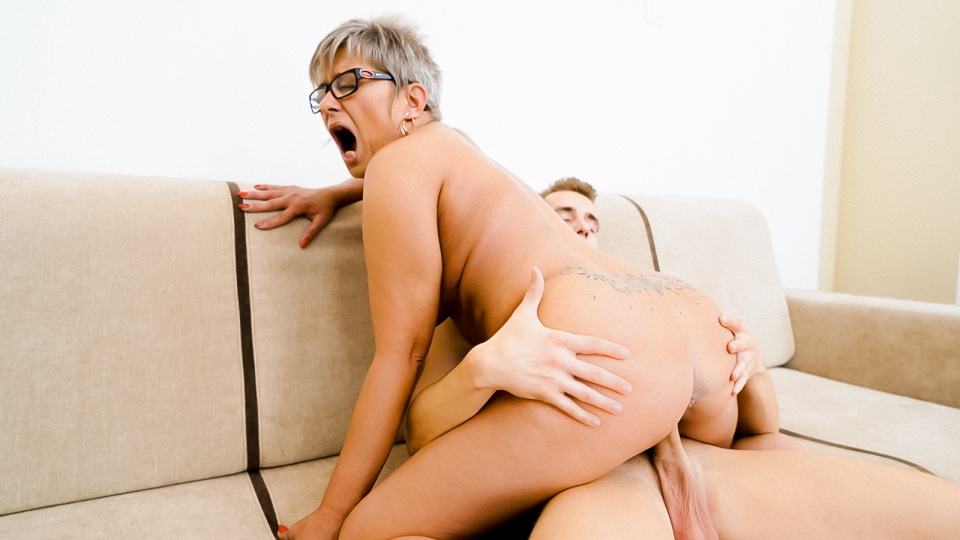 The Charms Of A Granny's Pussy