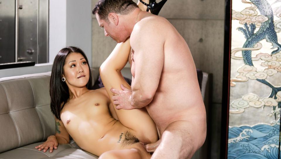 Pho King Asians, Scene #03
