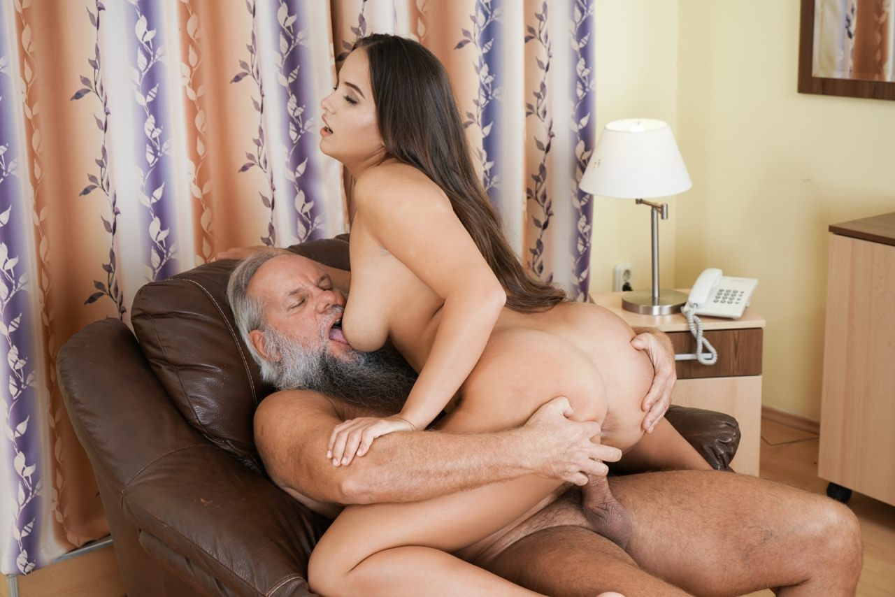 Latina girl fucking old man, lady being fucked in pussy