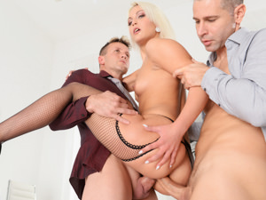DPFanatics – One Hole Not Enough – Cecilia Scott