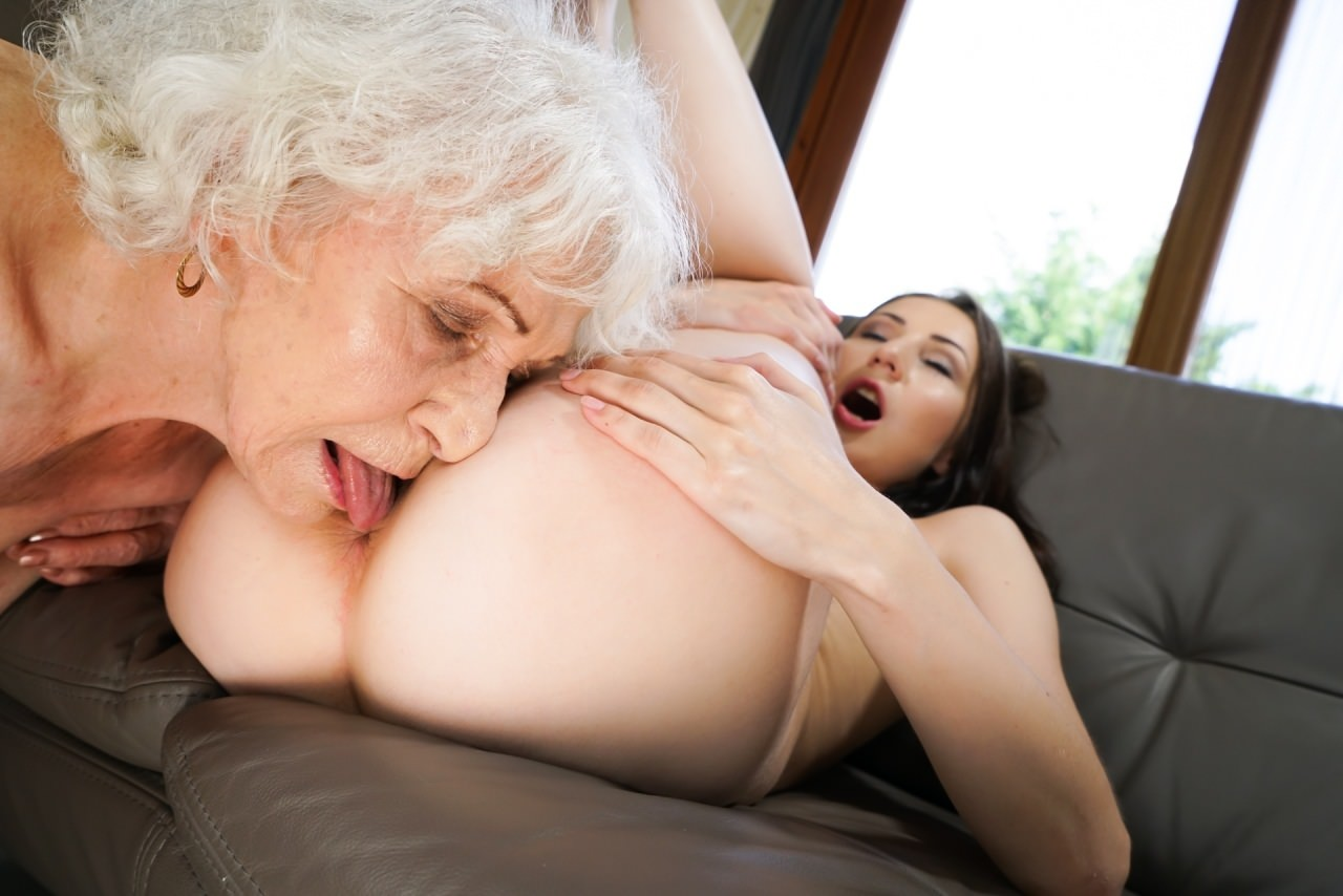 not-granny-lesbians-and-young-girls-twink
