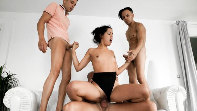 Teen BadLady, MILF Karyn: 4-Cock Orgy!
