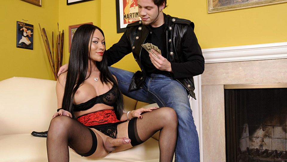 Transsexual Prostitutes – Wolf Hudson, Mia Isabella