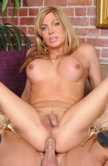 Transsexual Babysitters #09 Picture